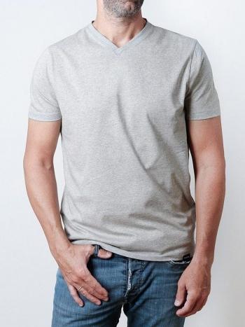 Camiseta de Pico Gris
